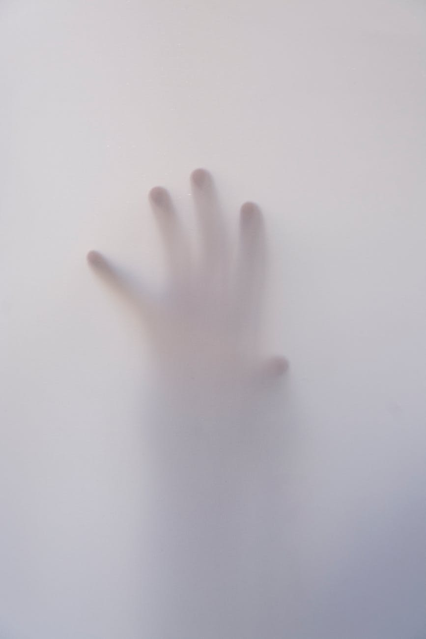 art fingers foggy hand